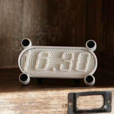 Pin Art Clock
