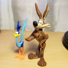 Picture of print of Road Runner and Wile E. Coyote from Looney Tunes