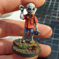 Picture of print of Graylien Tourist (28mm/Heroic scale)