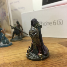 Picture of print of Dark Cleric (28mm/Heroic scale)