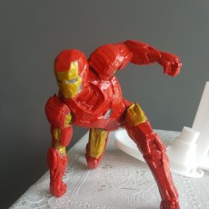 Picture of print of IRONMAN MK42 - Super Hero Landing Pose - 20 CM base This print has been uploaded by Victor Keng