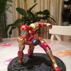 Picture of print of IRONMAN MK42 - Super Hero Landing Pose - 20 CM base This print has been uploaded by EastJesus