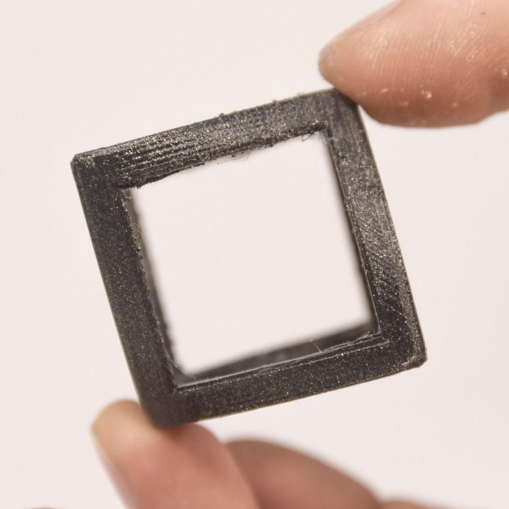 Circle to Square P.O.V. Illusion