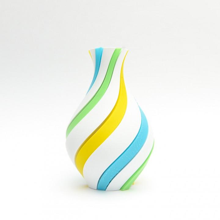 Groover Vase