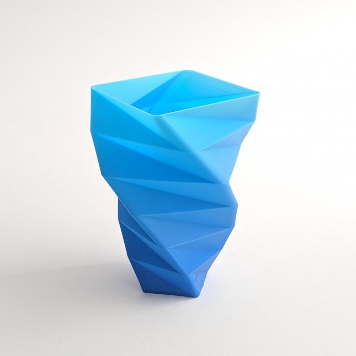 Facet Spiral Vase