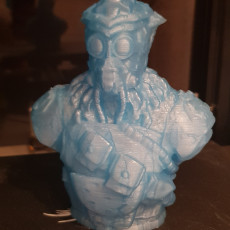 "Picture of print of Bloodhound-Bust from ""Apex Legends"" (Support Free Model)"