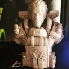 """Picture of print of Gibraltar-Bust from """"Apex Legends"""" (Support Free Model)"""