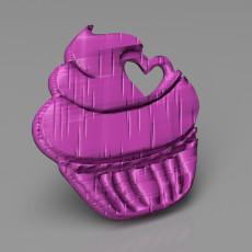 Airy cupcake keychain