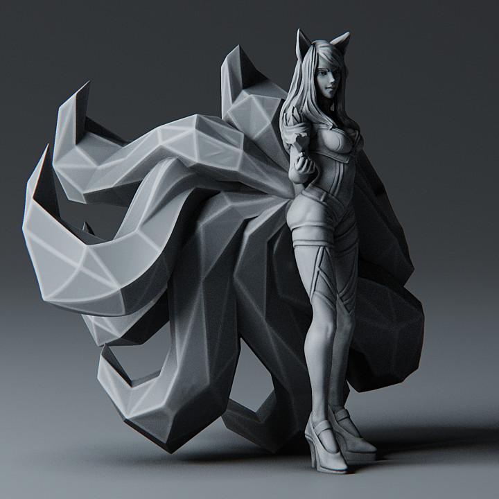 Ahri KDA - League of Legends - 25cm tall model