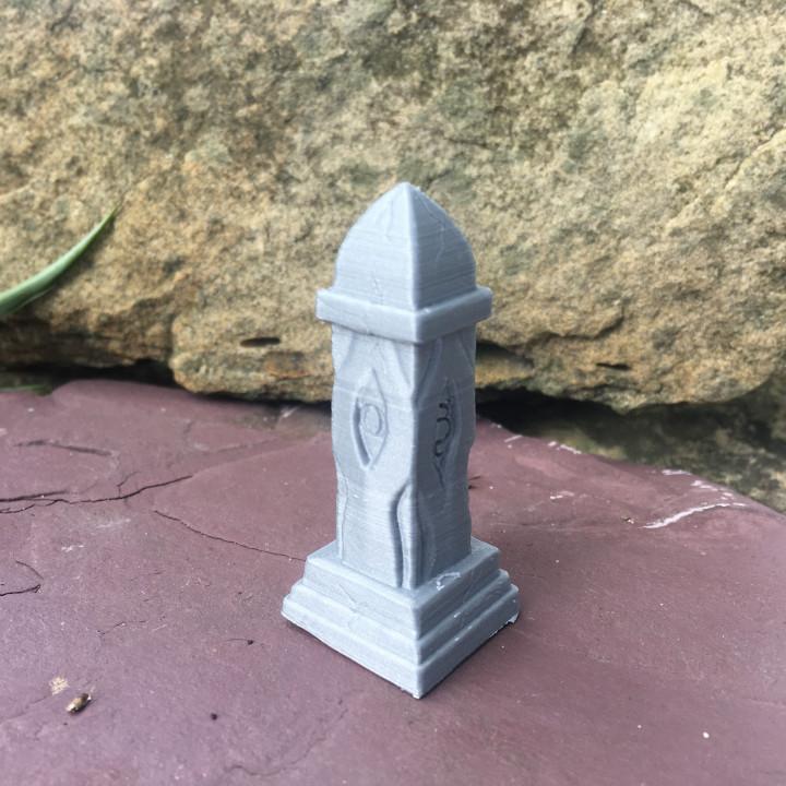 Obelisk or Grave Monument for 28mm tabletop RPG games like DnD