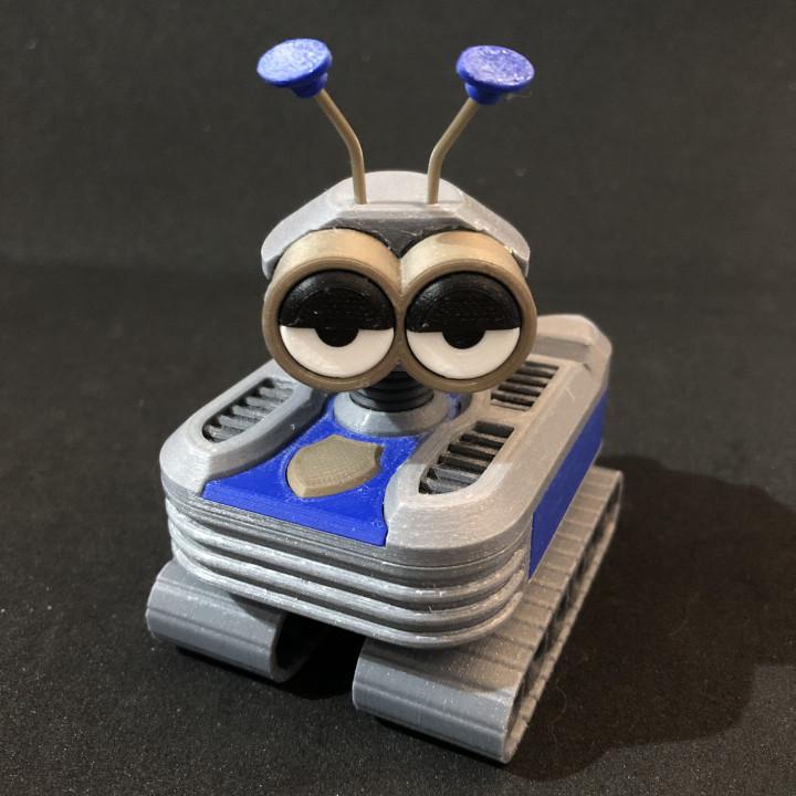 QT-M1 GiftBot 072 - Amy