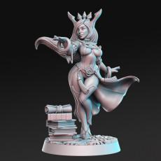 Sapphire - Female Wizard - 32mm - DnD