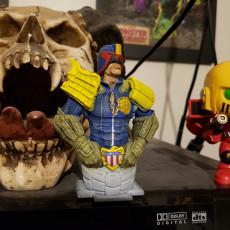 Picture of print of Judge Dredd bust (fan art)