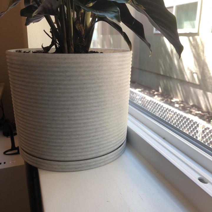 Ridge Planter Pot