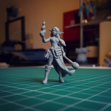 Picture of print of Female Wizard