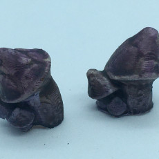 Little leaning mushroom clusters for basing 28mm miniatures