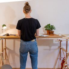 Kochloffel - DIY height adjustable table on a budget