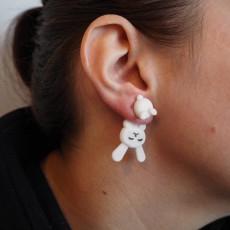 Earring rabbit