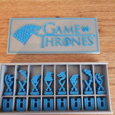 Game of Thrones Chess Set and Box