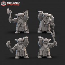 Dwarf Guard Throne Bearers
