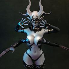 Inanna, Demon Queen
