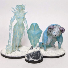 Picture of print of Crone, Maiden + Womb - Tabletop Miniatures (Pre-Supported)