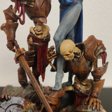 Diorama Laedria the Necromancer with skeletons pre-supported