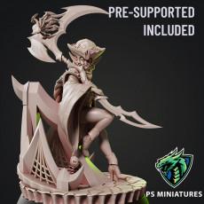 Drow Reaper Pose 3