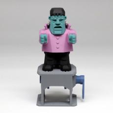 Frankenstein (Automata) 科學怪人散步中